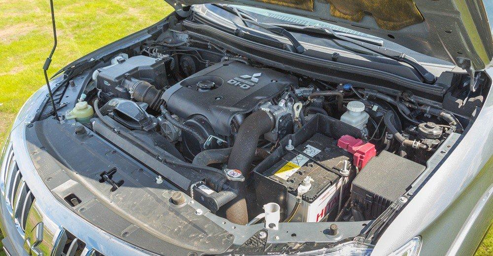 Đánh giá xe Mitsubishi Triton 2016 có động cơ diesel High Power có dung tích 2.5L.