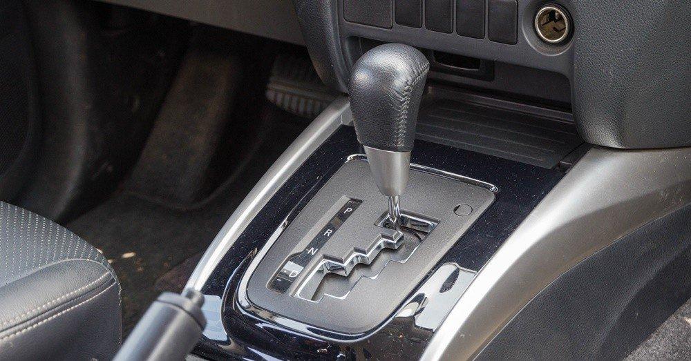 Đánh giá xe Mitsubishi Triton 2016 có hộp số tự động 5 cấp.