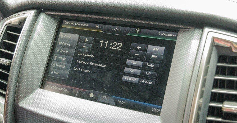 Đánh giá xe Ford Ranger 2016 có màn hình DVD cảm ứng 7 inch.