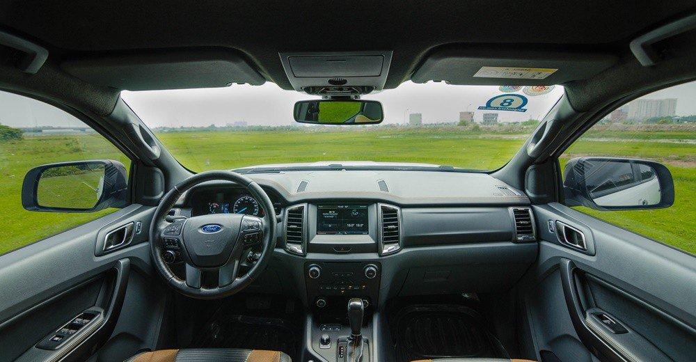 Đánh giá xe Ford Ranger 2016 có nội thất rộng rãi, trang thiết bị khá hiện đại.