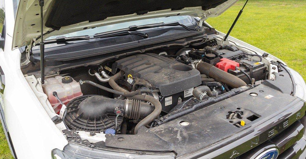 Đánh giá xe Ford Ranger 2016 có động cơ diesel TDCi 5 xilanh thẳng hàng 3.2L.