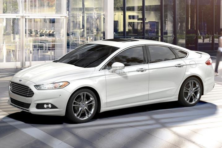 Đánh giá xe Ford Fusion 2017: Sức mạnh cường tráng, khả năng tiết kiệm nhiên liệu tuyệt vời,