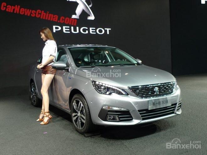 Peugeot 308 sedan mới tại triển lãm xe hơi Thành Đô.