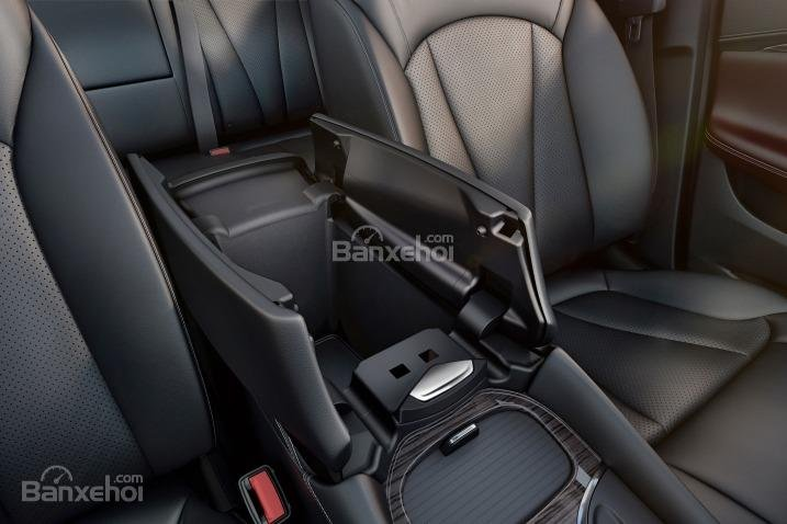 Đánh giá xe Buick Envision 2016: Hộc chứa cốc.