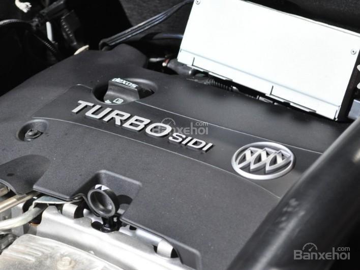Đánh giá xe Buick Envision 2016: Xe được trang bị động cơ 4 xi lanh.