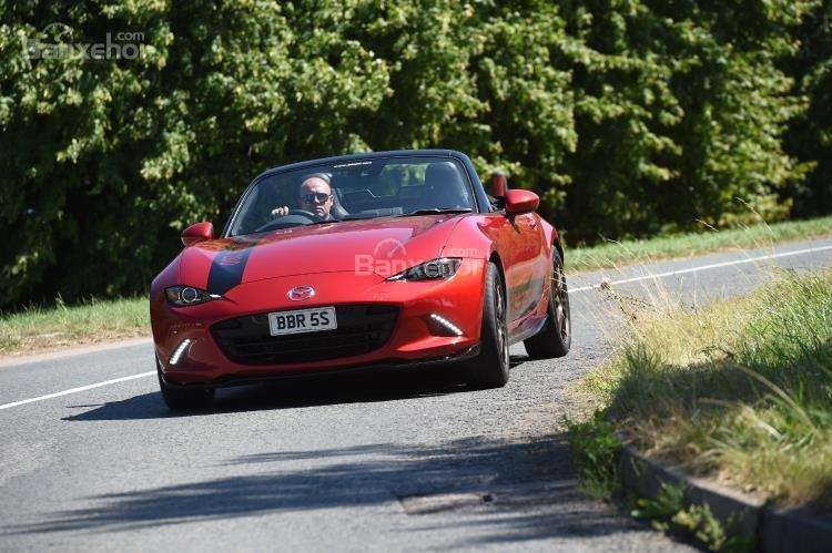 Xế độ BBR Mazda MX-5 tăng công suất lên 214 mã lực 2