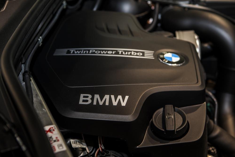 BMW X3 sử dụng khối động cơ BMW TwinPower Turbo, dung tích 1.997cc.