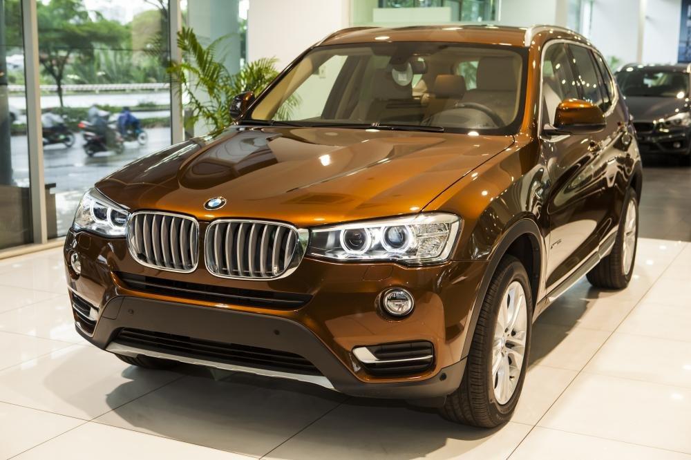 BMW X3 xDrive20i sở hữu ngoại hìn khỏe khoắn và khả năng vận hành linh hoạt,