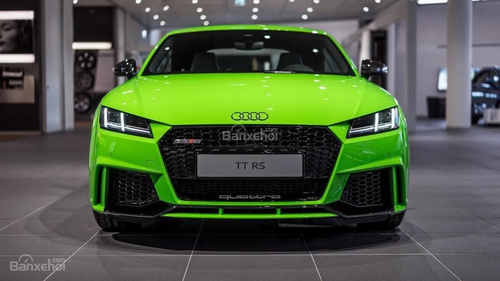 Audi TT RS mới có giá khởi điểm từ 51.800 bảng Anh.