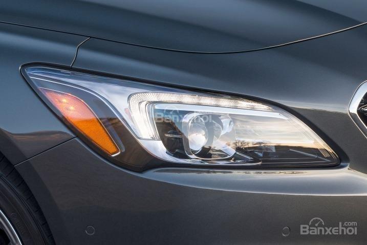Đánh giá xe Buick LaCrosse 2017: Đèn pha tích hợp LED.