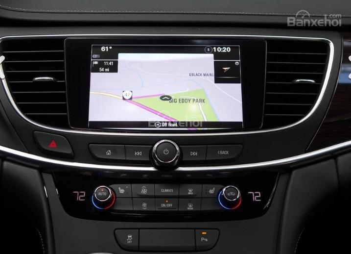 Đánh giá xe Buick LaCrosse 2017: Nhiều tính năng giải trí được trang bị cho xe.