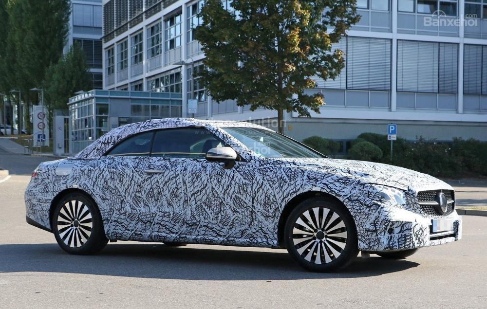 Mercedes-Benz E-Class Cabriolet chạy thử hé lộ thêm thiết kế ngoại thất 1