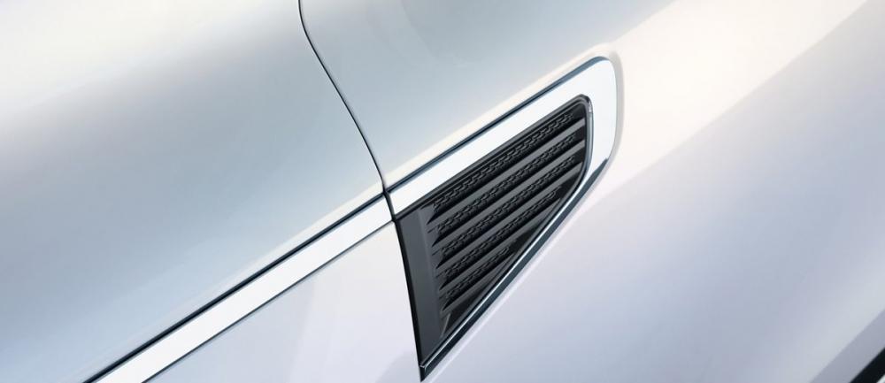 Đánh giá xe Renault Koleos 2017 có khe gió hình mang cá.
