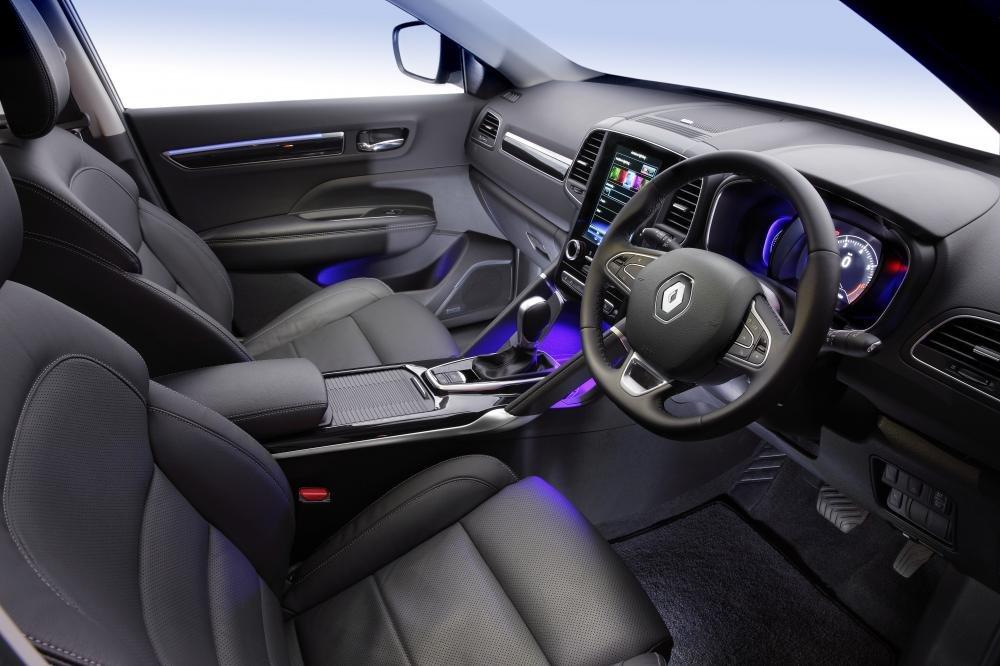 Đánh giá xe Renault Koleos 2017 có nội thất bọc da cao cấp.