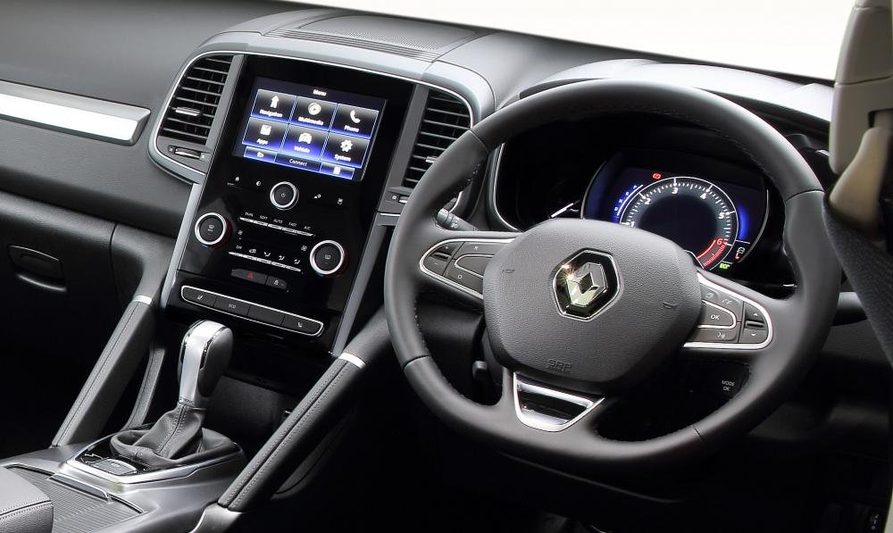 Đánh giá xe Renault Koleos 2017 được trang bị nhiều tính năng tiện nghi và giải trí.