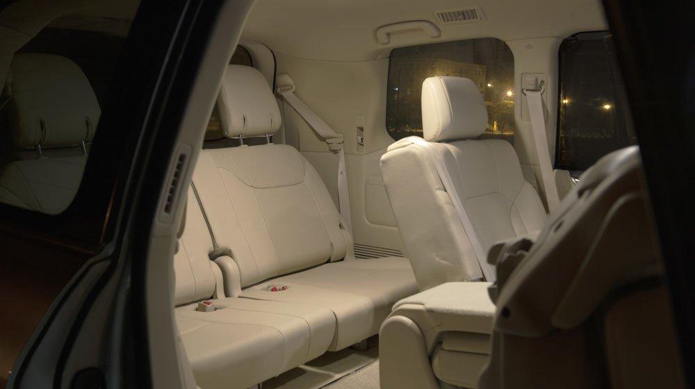 Đánh giá xe Lexus LX570 2016: Các ghế ngồi có chức năng sưởi ấm vào mùa đông và làm mát vào mùa hè.