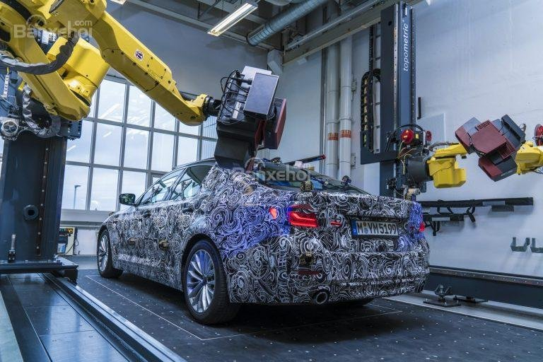 BMW mở trang hướng dẫn khách hàng đặt 5-Series 2017 trực tuyến đối với một số biến thể 2