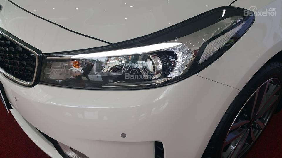 Bán xe Kia Cerato 2.0 chính hãng, 2018 trả góp giá chỉ từ 200 triệu tại Kia Hải Phòng - LH 0936657234-4
