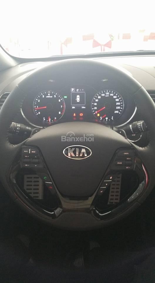 Bán xe Kia Cerato 2.0 chính hãng, 2018 trả góp giá chỉ từ 200 triệu tại Kia Hải Phòng - LH 0936657234-7