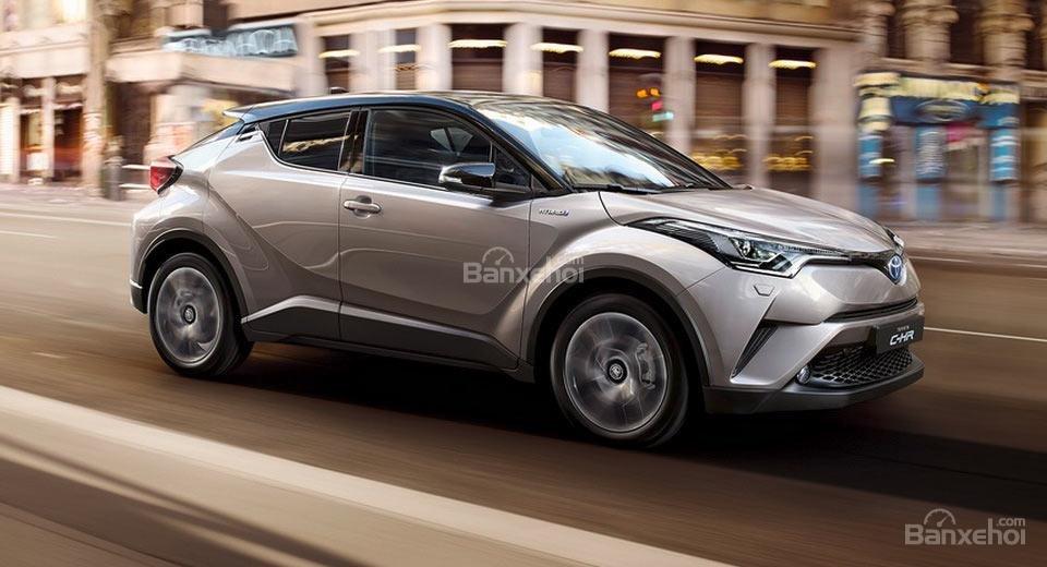 Doanh số xe hybrid của Toyota và Lexus tăng 45% tại châu Âu.