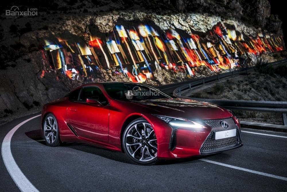 Doanh số xe hybrid của Toyota và Lexus tăng 45% tại châu Âu 5