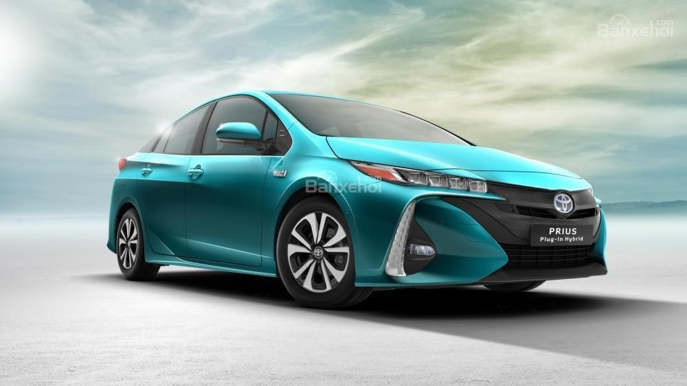 Doanh số xe hybrid của Toyota và Lexus tăng 45% tại châu Âu 2