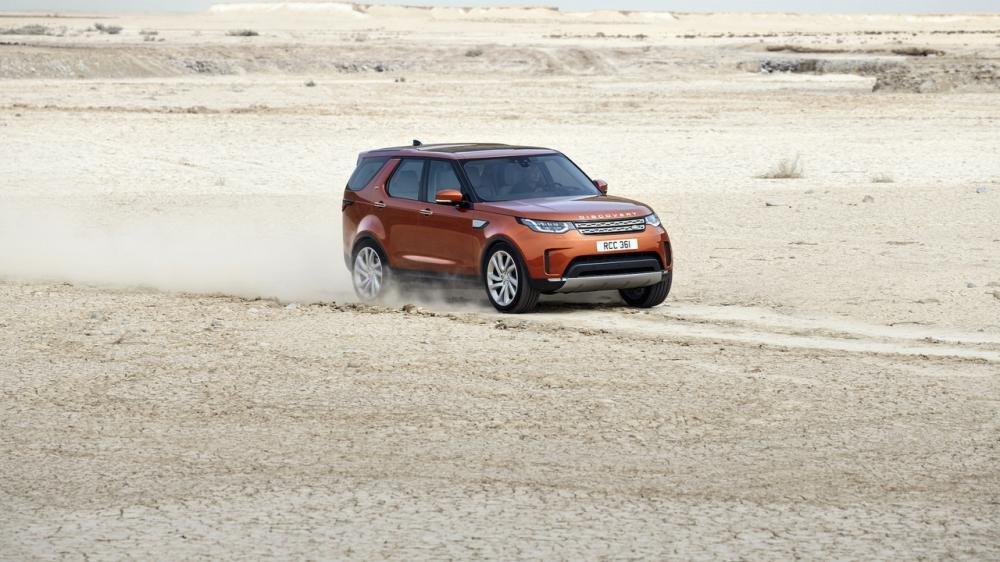 Xem màn ra mắt vô cùng ấn tượng của Land Rover Discovery 2017 tại Paris a3