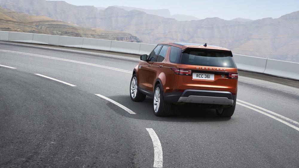 Xem màn ra mắt vô cùng ấn tượng của Land Rover Discovery 2017 tại Paris a10