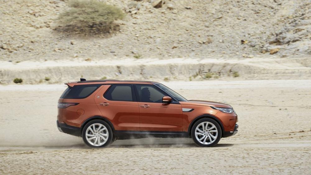 Xem màn ra mắt vô cùng ấn tượng của Land Rover Discovery 2017 tại Paris a4