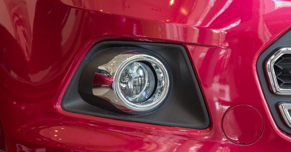 Đánh giá xe Ford Ecosport 2016 có đèn sương mù LED nằm gọn trong hốc đèn.