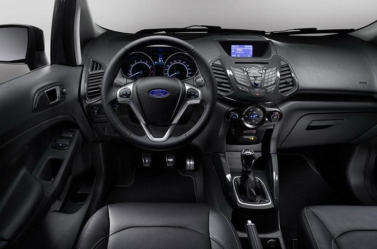 Đánh giá xe Ford Ecosport 2016 có nội thất tinh tế, mạnh mẽ từng chi tiết.