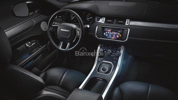 So sánh nội thất xe Range Rover Evoque và Porsche Macan - Sang trọng giống nhau 2