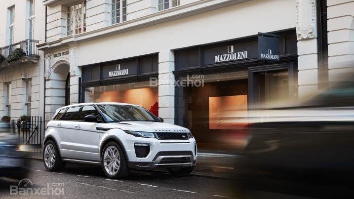 So sánh xe Range Rover Evoque và Porsche Macan - Xe cho phái mạnh và phái yếu.