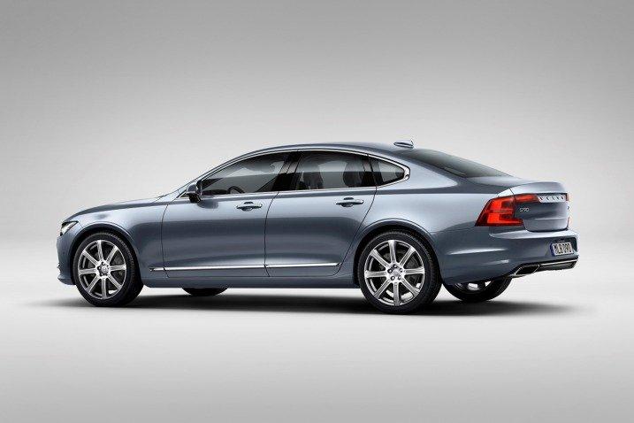 Đánh giá xe Volvo S90 2017 có thân xe hiện đại, thiết kế dạng khí động học.