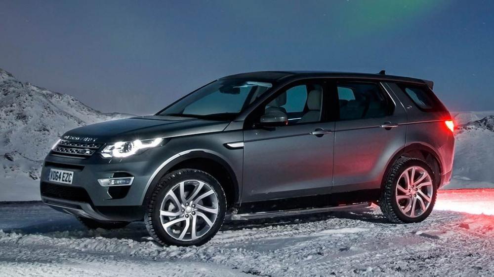 So sánh Land Rover Discovery Sport và Audi Q3: xe gia đình và xe cá nhân.
