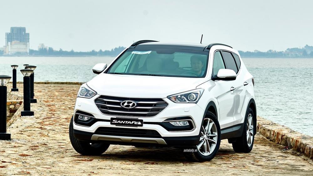 So sánh xe Hyundai SantaFe 2016 và Mazda CX-5 2016: Đại chiến SUV 1,1 tỷ.