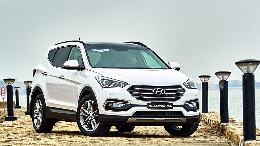 Ngoại thất Hyundai SantaFe 2016 cải tiến ngày càng nam tính hơn so với thế hệ trước.
