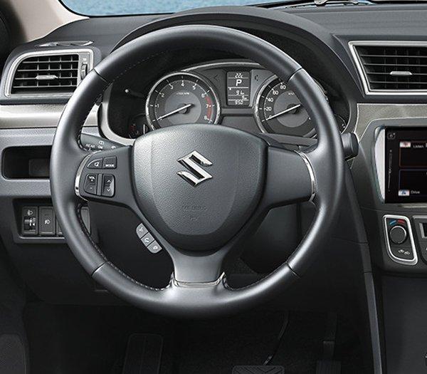 Suzuki Ciaz 2017 và Honda City đều có trang bị tiện ích tương đối giống nhau.