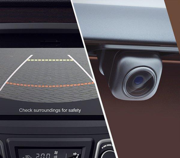 Đánh giá xe Suzuki Ciaz 2017 được tích hợp sẵn camera lùi tiện ích.