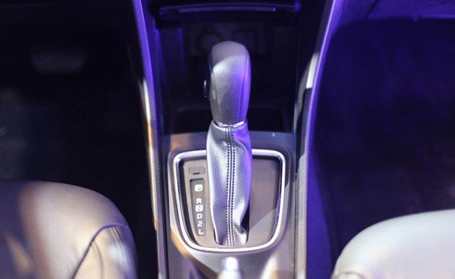 Đánh giá xe Suzuki Ciaz 2017 có hộp số tự động 4 cấp cơ bản.
