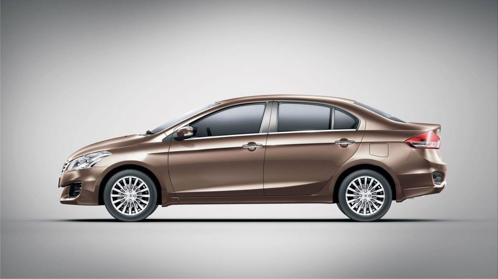 Giá xe Suzuki Ciaz 2019 mới nhất tháng 8/2019 a1
