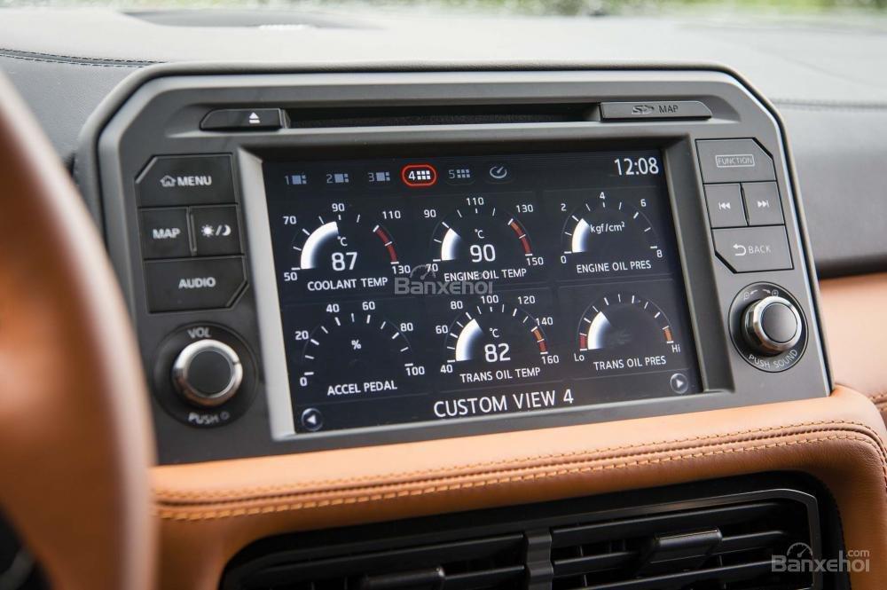 Đánh giá xe Nissan GT-R 2017: Xe sở hữu nhiều tính năng giải trí hiện đại.