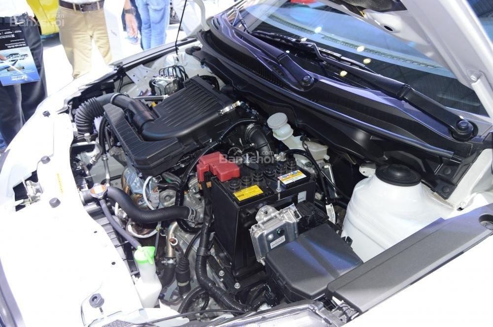 """Nissan Sunny có thông số vận hành """"nhỉnh"""" hơn so với Suzuki Ciaz."""