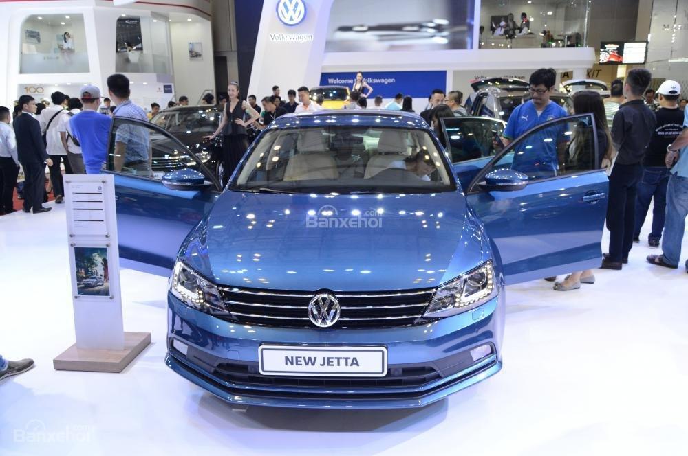 Ngoại thất Volkswagen Jetta thiếu sắc sảo và chưa tạo được điểm nhấn.