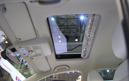 Volkswagen Jetta sở hữu dàn âm thanh 6 loa ấn tượng và hệ thống thông khí thoáng đãng 2