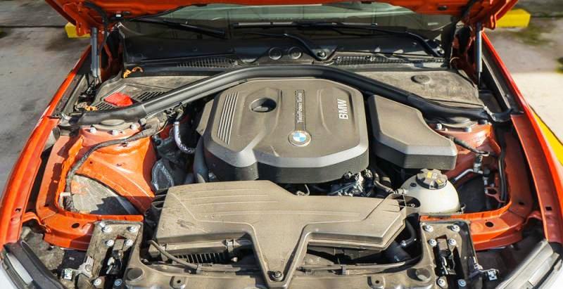 Đánh giá xe BMW 118i 2016 có động cơ tăng áp TwinPower Turbo 1.5L.