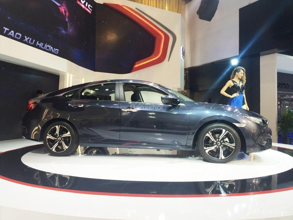 Đánh giá xe Honda Civic 2017 có thân thiết kế thể lịch lãm hơn.