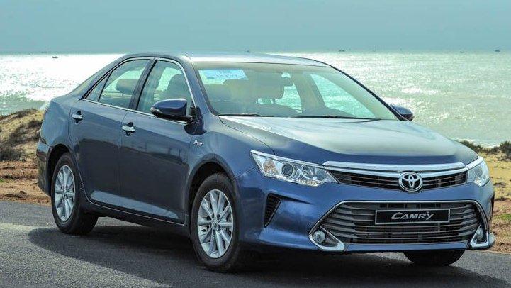 So sánh xe Toyota Camry và Nissan Teana - Bất phân thắng bại.