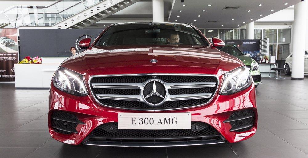 Đánh giá xe Mercedes-Benz E-Class 2017 có diện mạo thể thao, mạnh mẽ.