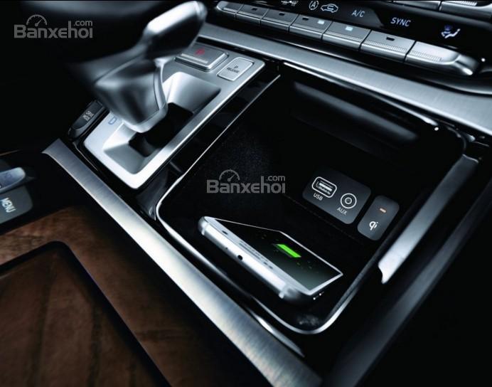 Đánh giá xe Genesis G90 2017 về trang bị nghe nhìn a2